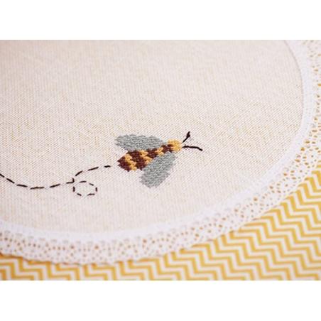 Acheter Echevette de coton mouliné de 8 m - Blanc cassé 3823 - 1,39€ en ligne sur La Petite Epicerie - 100% Loisirs créatifs