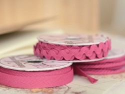 Grosgrain ribbon spool (2 m) - Rickrack (10 mm) - fuchsia (colour no. 078)