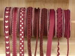 Woven Grosgrain ribbon spool (2 m) - dashes (10 mm) - burgundy (colour no. 071)