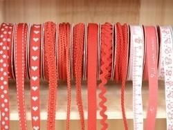 Grosgrain ribbon spool (2 m) - Rickrack (10 mm) - red (colour no. 008)