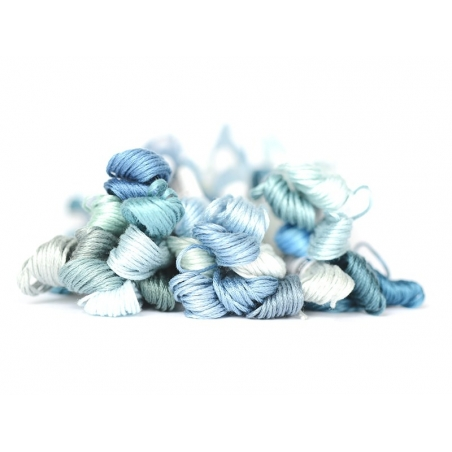 Stranded cotton skein (8 m) - blue (colour no. 3809)