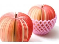 Notizblock in Obstform - roter Apfel