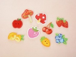 Iron-on patch - Pink strawberries