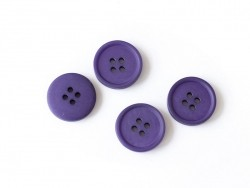 Plastic button (20 mm) with 4 buttonholes - Eggplant violet