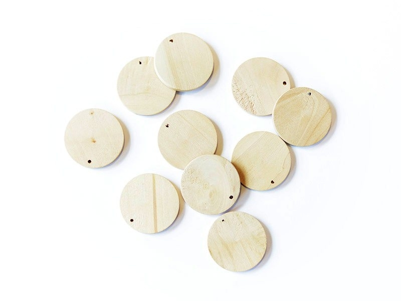 Acheter 10 perles en bois - Ronde 34 mm - 3,70€ en ligne sur La Petite Epicerie - Loisirs créatifs