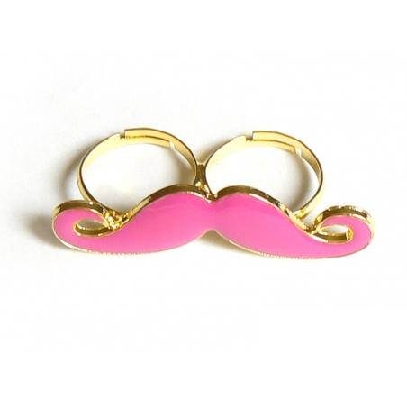 Une double bague moustache rose