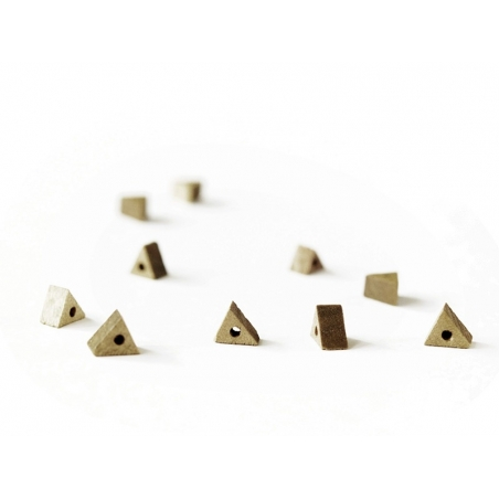10 wooden beads - Triangle (5 mm)