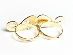 A yellow moustache double ring