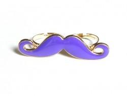 Une double bague moustache violette