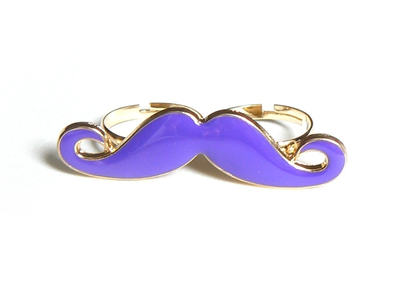 A purple moustache double ring
