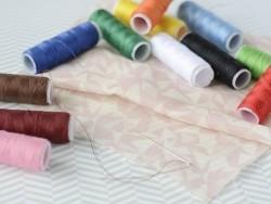Acheter Kit de fil à coudre avec enfileur - 4,25€ en ligne sur La Petite Epicerie - 100% Loisirs créatifs