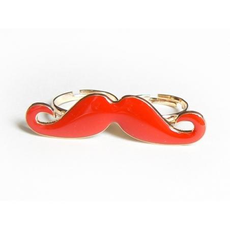 Une double bague moustache rouge  - 1