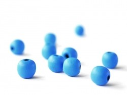 10 round, varnished wooden beads - sky blue (14 mm)