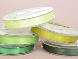 Bobine de ruban satin uni vert anis - 7 mm