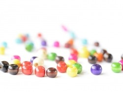 50 round, varnished wooden beads in various colours - 10 mm