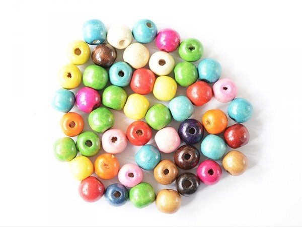 50 round, varnished wooden beads in various colours - 16 mm