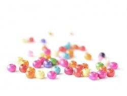 50 round, varnished wooden beads in various colours - 6 mm