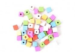 Acheter 50 perles cubes en bois vernis - 14 mm - 2,29€ en ligne sur La Petite Epicerie - 100% Loisirs créatifs