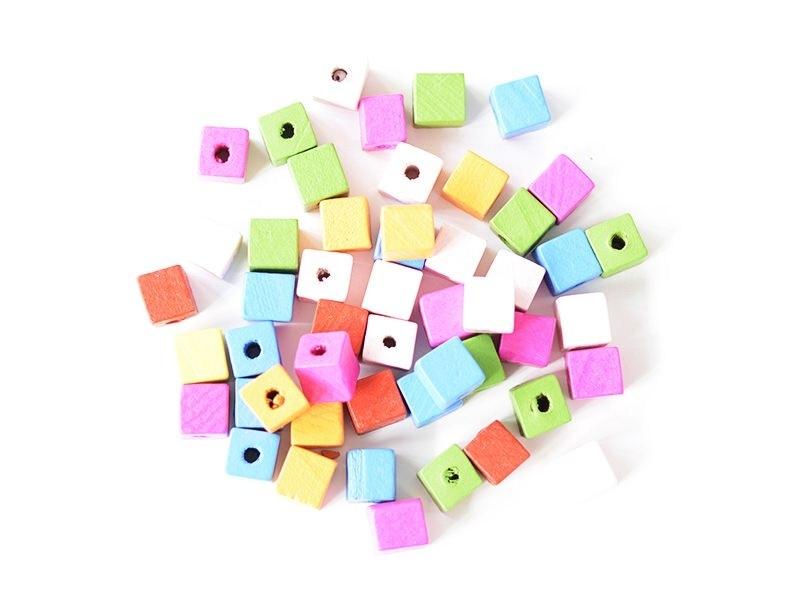 Acheter 50 perles cubes en bois vernis - 14 mm - 2,29€ en ligne sur La Petite Epicerie - Loisirs créatifs
