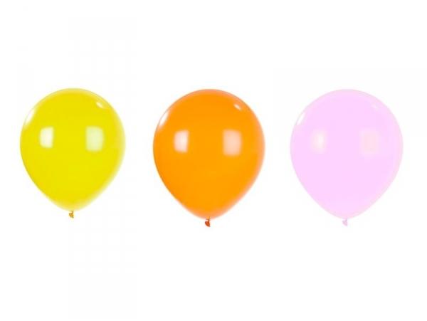 3 gigantic balloons