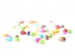 50 Perlen aus lackiertem Holz - Oval (8 mm)
