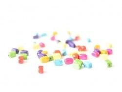50 perles en bois vernis - Rectangle 8 mm