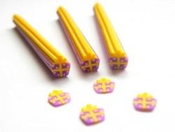 Cane cadeau violet et jaune
