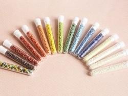 Acheter Tube de 350 perles de rocailles opaques nacrées - marron bronze - 0,99€ en ligne sur La Petite Epicerie - Loisirs cr...