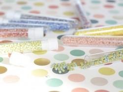 Tube de 350 perles rayées bicolores - bleu clair/jaune