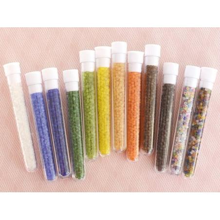 Acheter Tube de 350 perles transparentes mattes - marron foncé - 0,99€ en ligne sur La Petite Epicerie - Loisirs créatifs