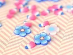 100 Polymer-Clay-Cane-Scheiben - blaue Blumen