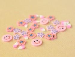 100 tranches en pâte polymère - bonhomme souriant rose