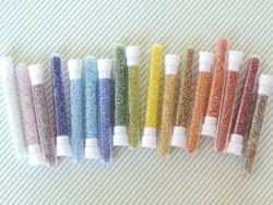 Tube de 350 perles transparentes irisées - bleu ciel