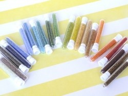 Acheter Tube de 350 perles transparentes - vert pomme - 0,99€ en ligne sur La Petite Epicerie - Loisirs créatifs