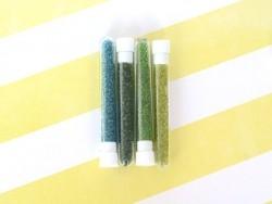 Tube de 350 perles transparentes - vert gazon