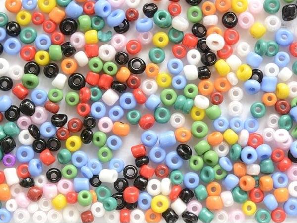 Acheter Tube de 350 perles de rocailles opaques - assortiment - 0,99€ en ligne sur La Petite Epicerie - 100% Loisirs créatifs