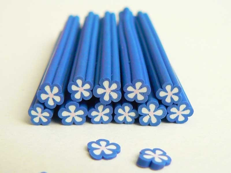 Flower cane - blue, with a white centre