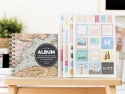 """Album bébé """"Bonjour le monde"""""""