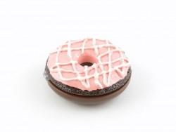 Gloss donut chocolat avec glaçage rose et nappage