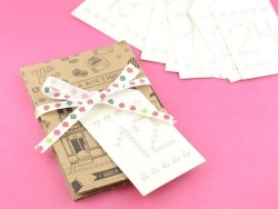 Cream-coloured advent tag