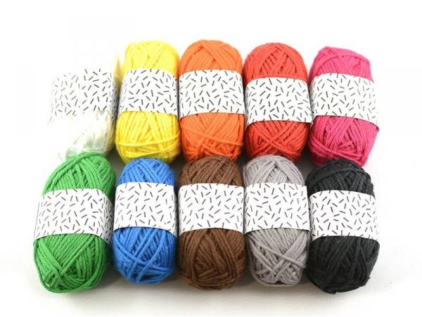 10 small cotton balls - Classic