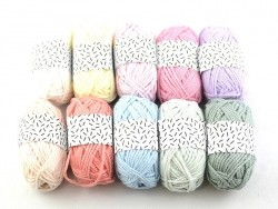 10 small cotton balls - Pastel