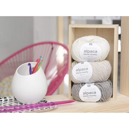 Acheter Laine à tricoter Essentials Alpaga Blend Chunky - Galet - 6,15€ en ligne sur La Petite Epicerie - 100% Loisirs créatifs