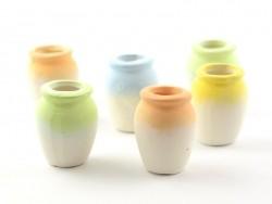 6 clay vases