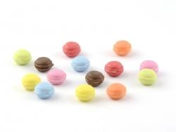 14 miniature macarons