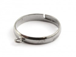Ring with a jump ring - black