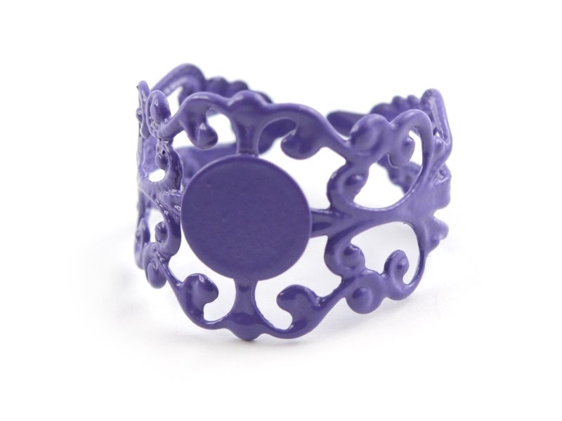 Support de bague baroque ajouré - violet