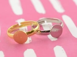 Support de bague -  couleur or