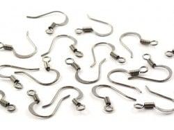 10 paires de boucles d'oreilles - crochets plats - couleur noir métallisé