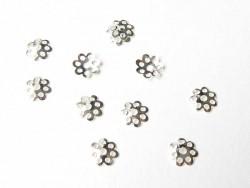 50 hellsilberfarbene Perlenkappen